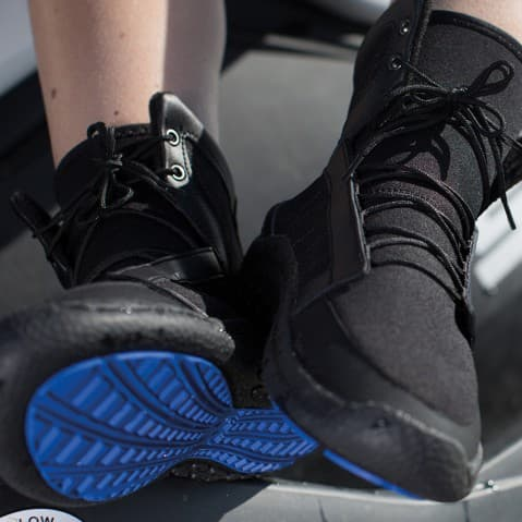 Покупаем в Минске обувь для водных видов спорта. Коллекция 2016