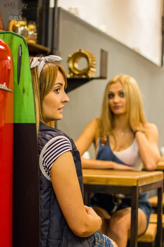 девчонки в кафе минска